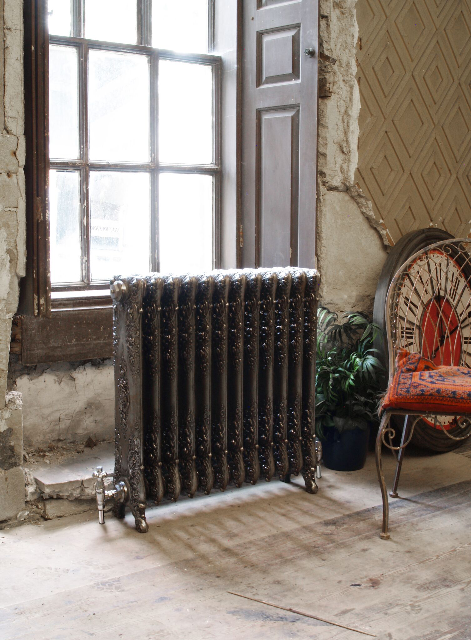 Verona Cast Iron Radiator Interior